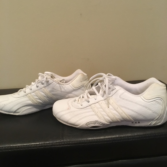 Adidas GoodYear White Size 6 In Youth